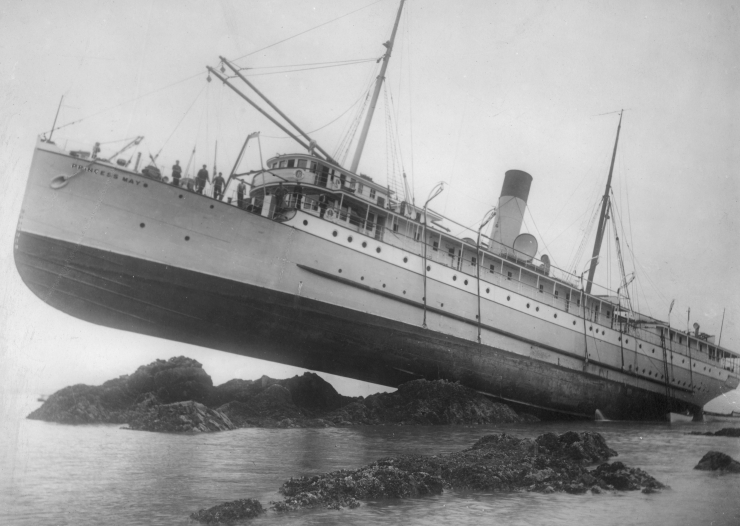 S.S. Princess May wrecked on Sentinel Island, Alaska, August 5, 1910. Case, W. H. (William Howard), 1868-1920, photographer. Library of Congress (LC-DIG-ppmsc-01752)